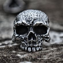 Mens Vintage Silver Color Fine Detail Skull Stainless Steel Ring Heavy Punk Biker Jewelry