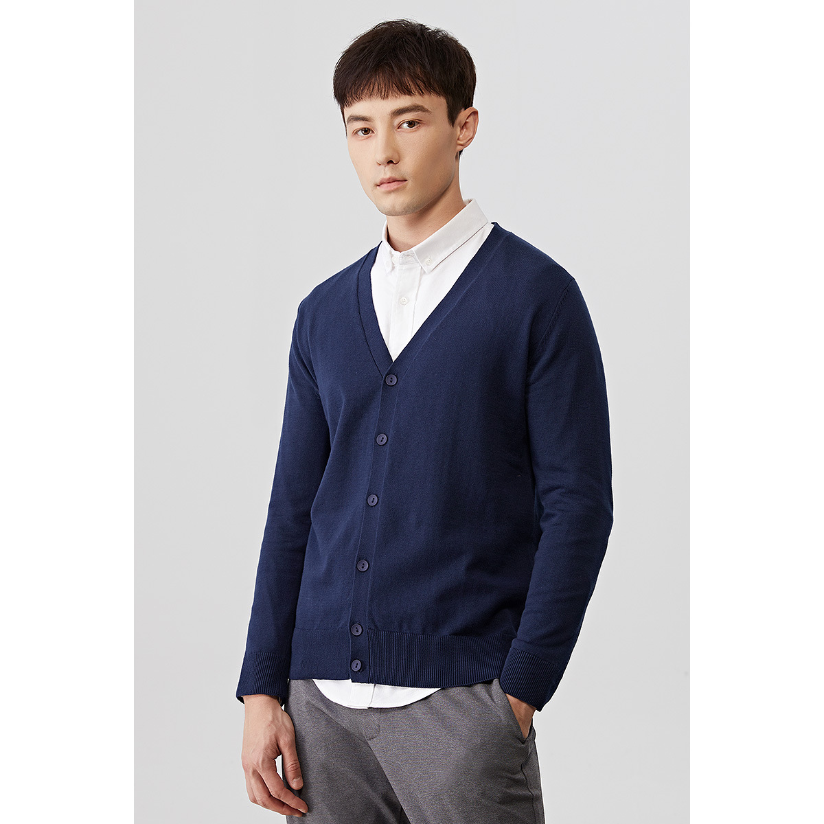 Autumn Long Sleeve Loose V-neck Knitted Cardigan Men Casual Cotton Oversized Sweater Male Cute Boys Sweaters Blue Thin Knitwear