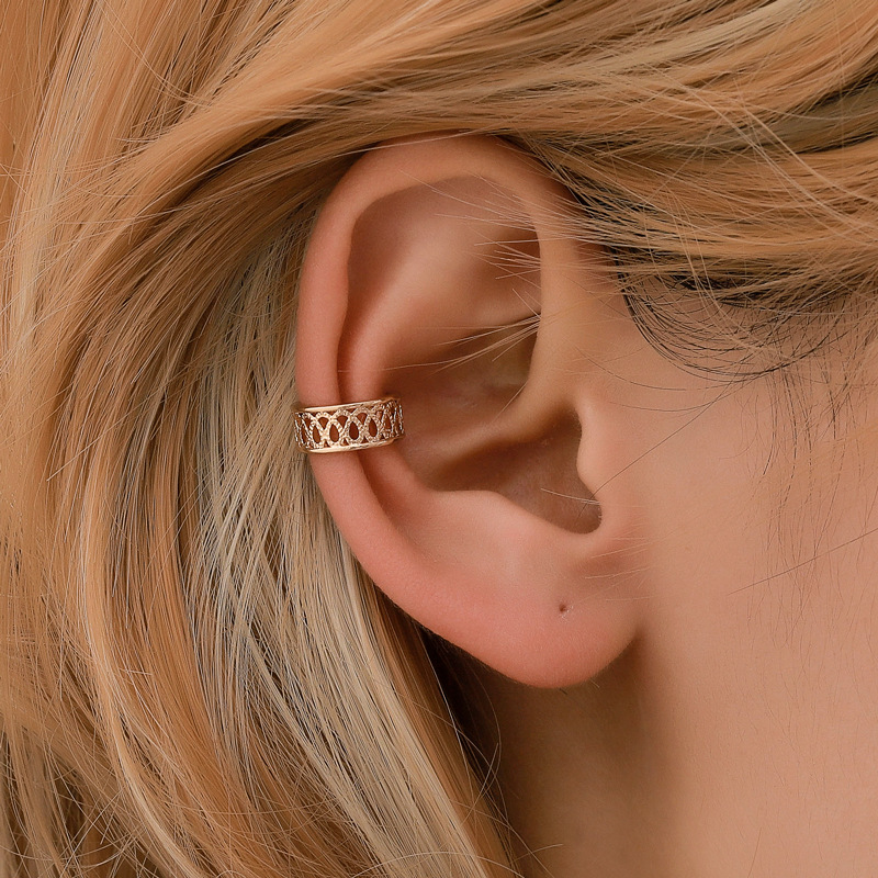 Vintage Openwork Ear Cuffs Gold Silver Color Pattern Ear Cuff Clip Earring For Women Climbers No Piercing Fake Cartilage Earring