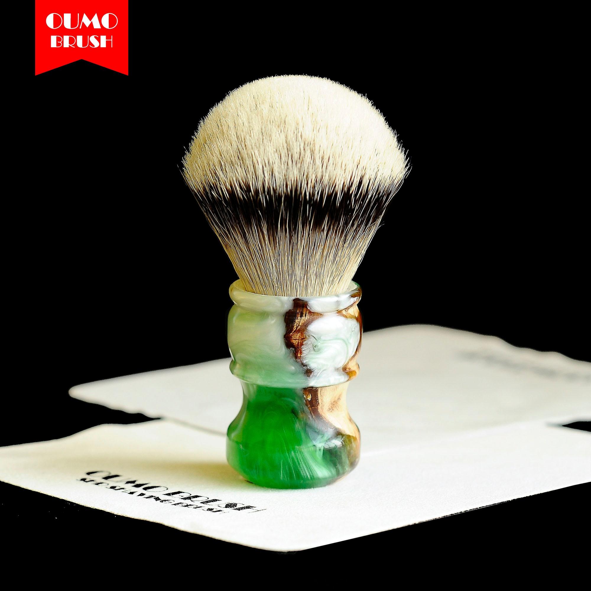 OUMO- sandal wood with resin SHD HMW silvertip badger knots shaving brush