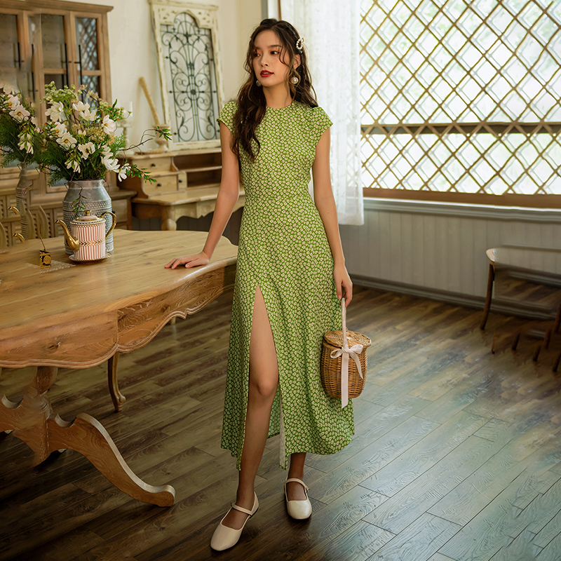 The Seaside Beach Dress French Green Restoring Ancient Ways Small Broken Flower Backless Dress New Female In Long Summer Holiday
