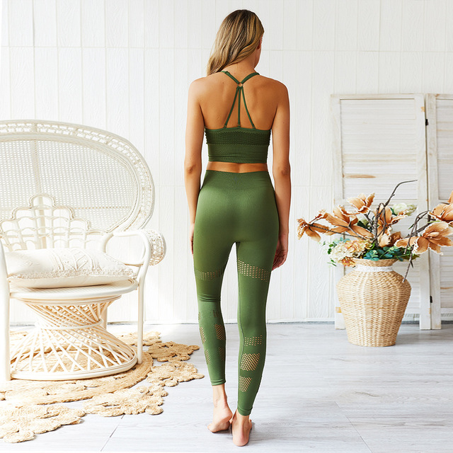 Seamless Yoga Set Women Fitness Clothing Sportswear Woman Gym Leggings Padded Push up Strappy Sports Bra