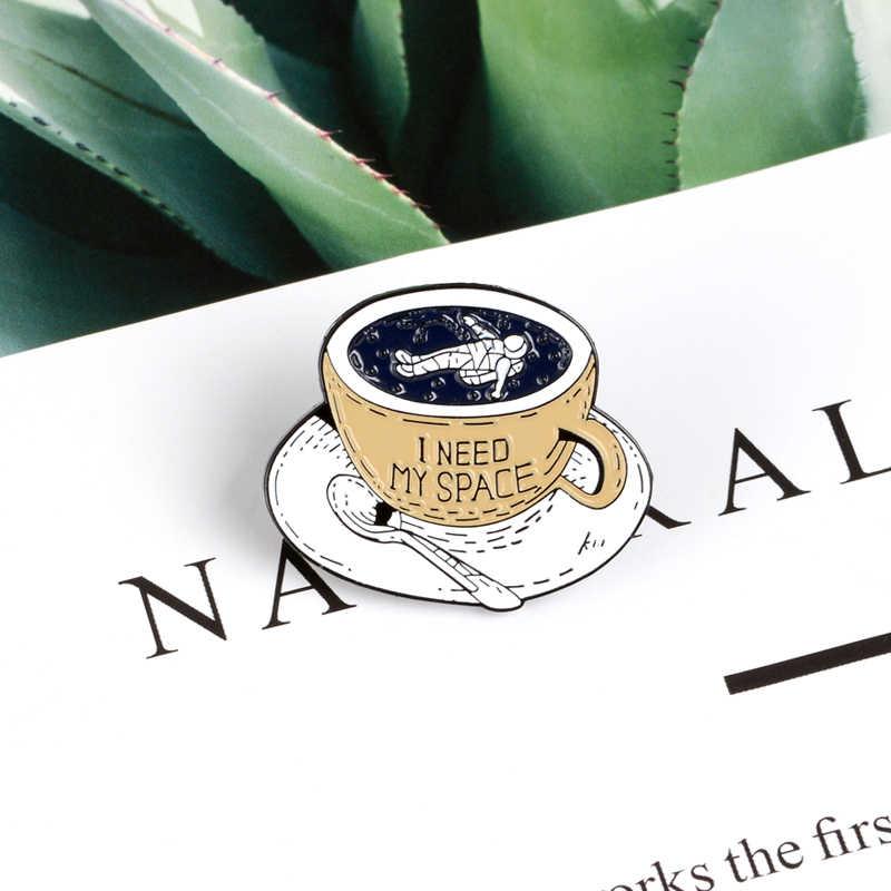 Espaço café copo pinos universo aventura esmalte pino broche solitário astronauta lapela pinos emblemas roupas saco de jóias colecionador presente