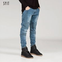 цены на SFIT 2019 Streetwear Mens Ripped Biker Jeans Homme Men's Motorcycle Slim Black White Blue Moto Denim Joggers skinny jeans men  в интернет-магазинах