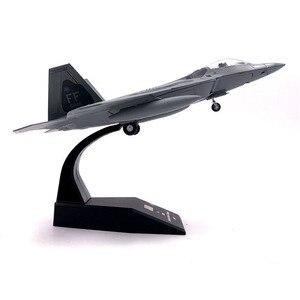 Image 2 - 1/100 نموذج طائرة مقياس لعب الولايات المتحدة الأمريكية F 22 F22 رابتور مقاتلة ديكاست طائرة معدنية نموذج لعبة للأطفال هدية جمع شحن مجاني