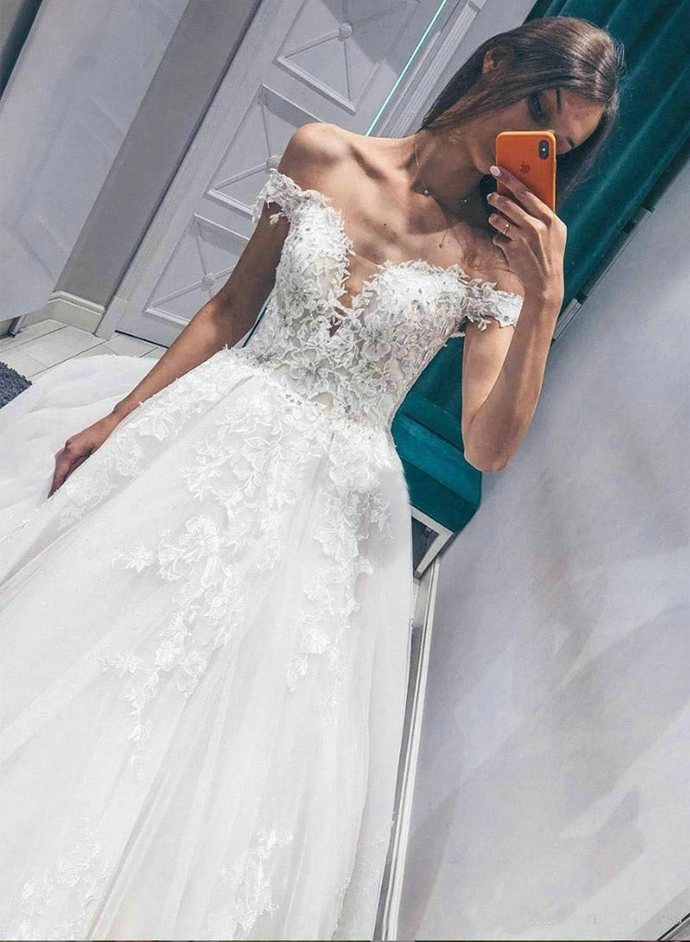 2020  White Lace Wedding Dress Ball Gown V-neck Off-Shoulder Appliqued Lace Sweep Train Dress For Wedding