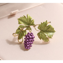 CINDY XIANG Enamel Grapes Brooch Autumn Fashion Fruit Brooches For Women Plant Jewelry Elegant Accessories Gift