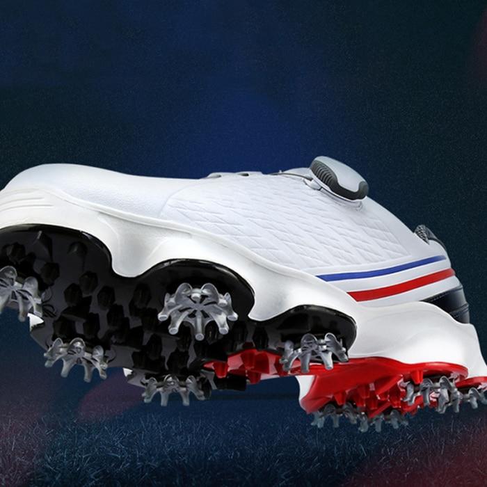 Novos sapatos de golfe dos homens à