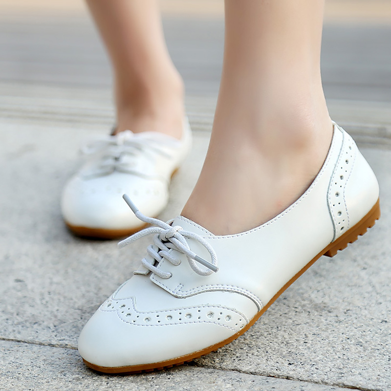 Buy Women's Flat shoes Lace up Moccasins Beautiful Brogue shoes woman Non slip Breathable Soft Leather Loafers ladies 2020 New