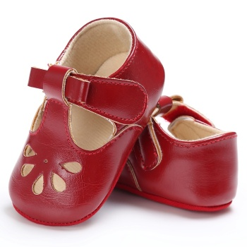 цена на First Walkers Lovely Baby Sneakers Newborn Baby Crib Shoes Girls Toddler Laces Soft Sole Shoes