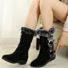 Nowe buty damskie zimowe dorywczo ciepłe futrzane buty do połowy łydki buty damskie Slip-On okrągłe Toe kliny buty śniegu buty muje Plus rozmiar 42 tanie tanio WIGQCY Flock Pasuje prawda na wymiar weź swój normalny rozmiar Okrągły nosek Zima Stałe Plac heel Krótki pluszowe