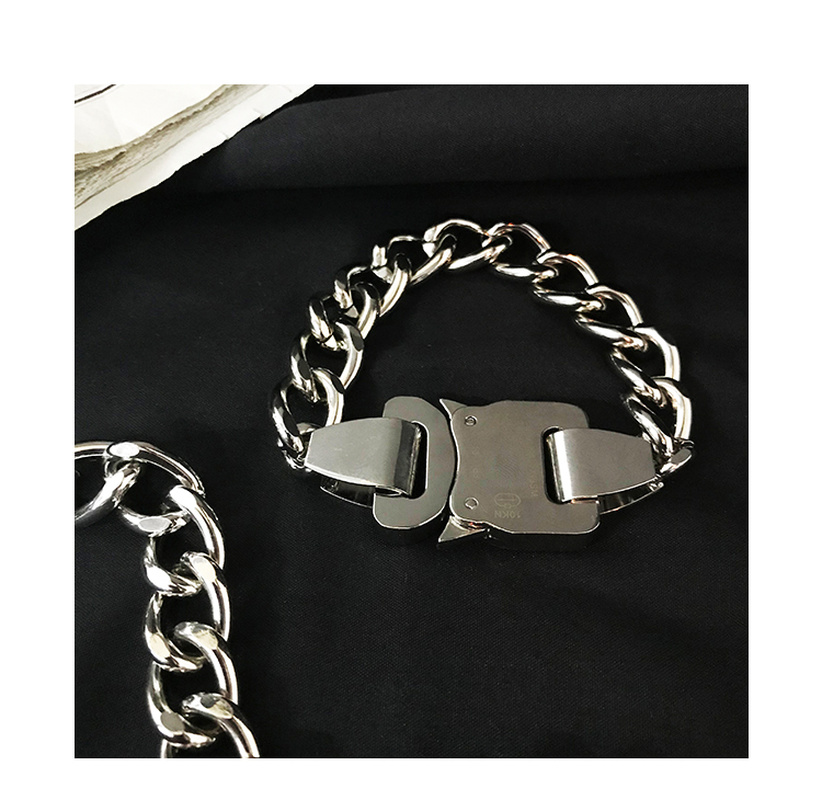 Fashion ALYX Hand Catenary Metal Function Buckle Chain ALYX Bracelet High Street Hip Hop Unisex Couples ALYX Belt Buckle