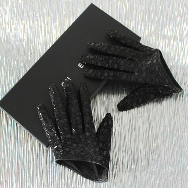 DEAT 2021 Autumn And Winter New Products Fashion Ultra Short Sheepskin Checkered Sexy Leather Half Palm Gloves Women's PB183 1