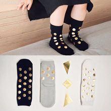 Шикарные носки в горошек с золотым тиснением для маленьких мальчиков и девочек, носки в Золотой горошек детские короткие носки для От 1 до 8 лет