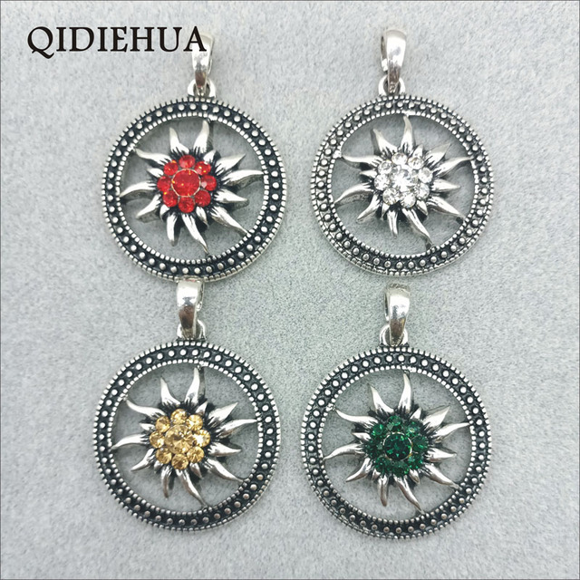 Wholesale Round Alloy Vintage Silver Pendant Bavarian Oktoberfest DIY Edelweiss Necklace Pendant Dirndl Accessories Jewelry 1