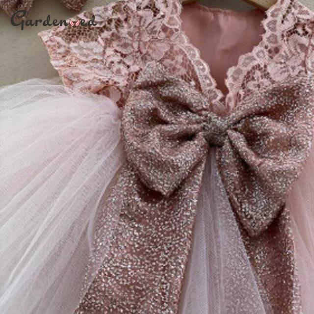 Фото милое кружевное платье с бантом и цветами для девочек пышное