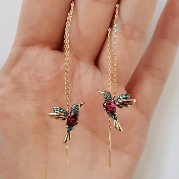 Unique Design Hummingbird Long Drop Earrings Flying Bird Pendant Tassel Crystal Pendant Copper Earrings Ladies Jewelry Gift