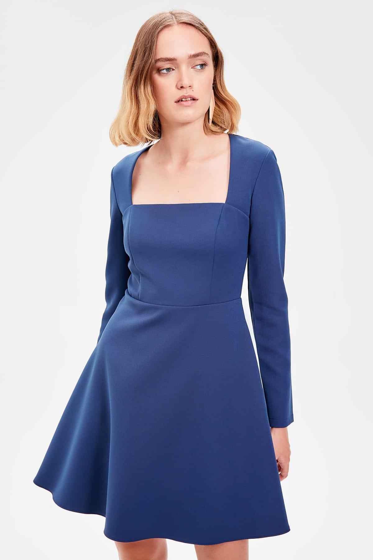 Trendyol голубое платье с квадратным воротником TWOAW20EL0756