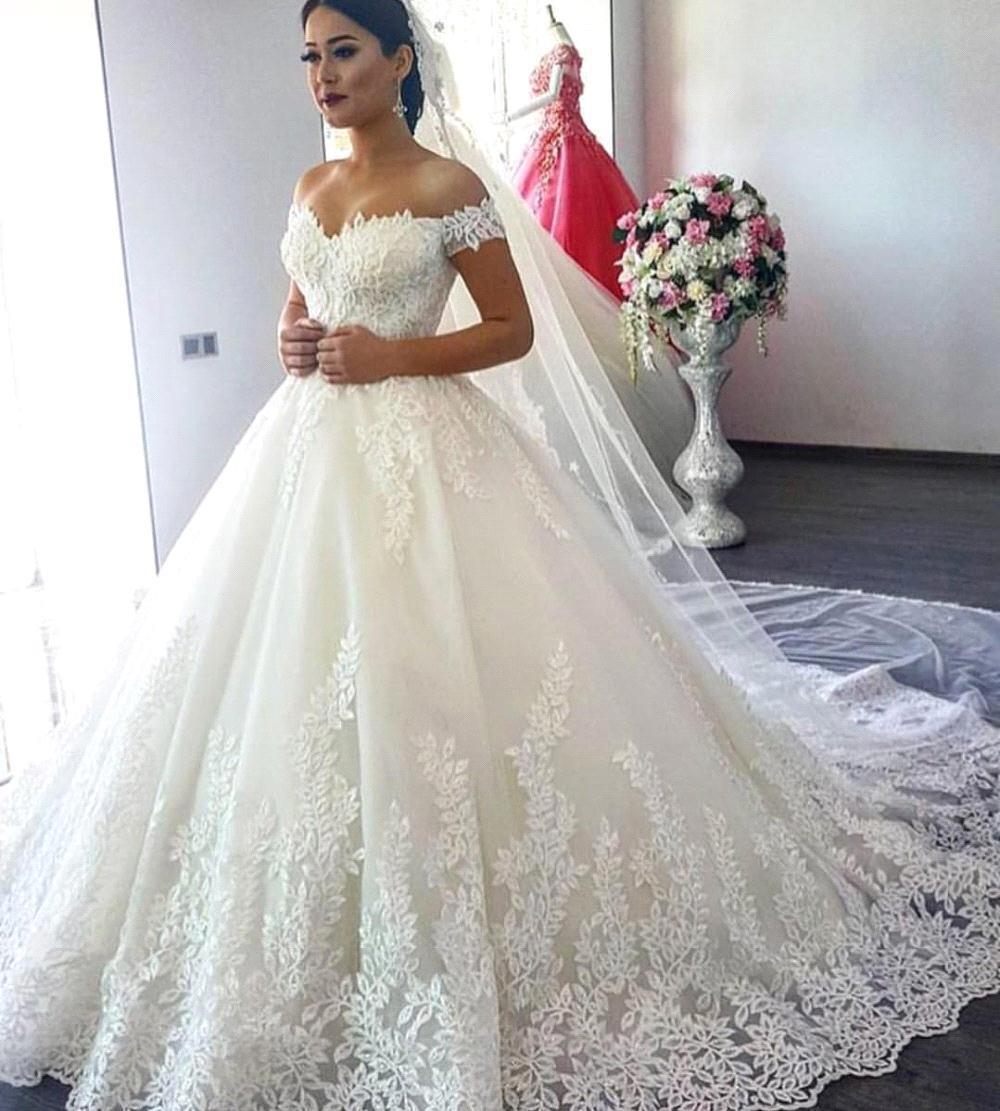 Vintage Lace Applique Ball Gown Wedding Dress Sweep Train Floral Wedding Dress Off-shoulder Robe De Mariée Tulle Bridal Gown