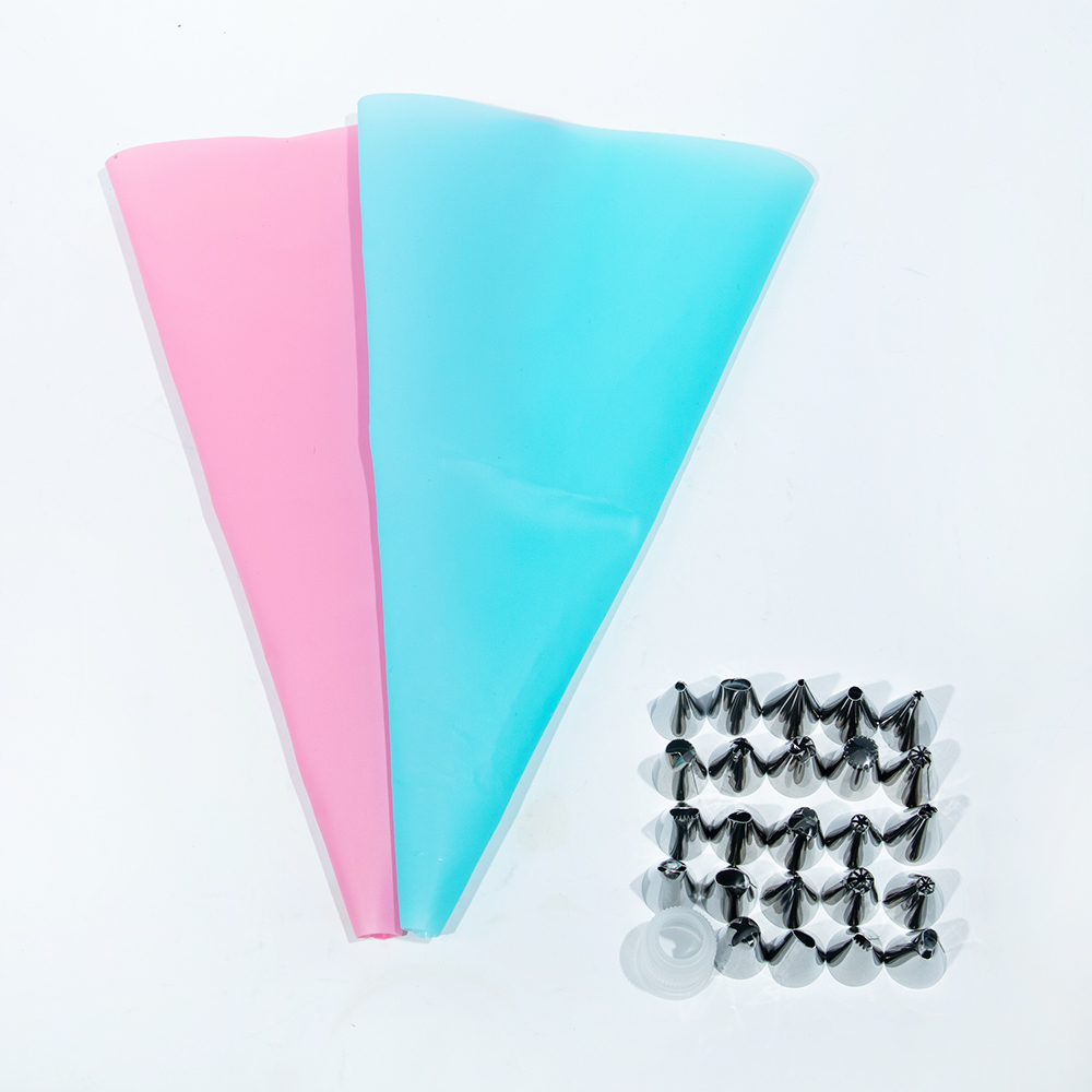 26pcs Silicone Pastry Bag Tips Kitchen DIY Ice Cream Reusable Nozzle Set Cake Decorating Tools Piping Bag Candy Molds Cakes