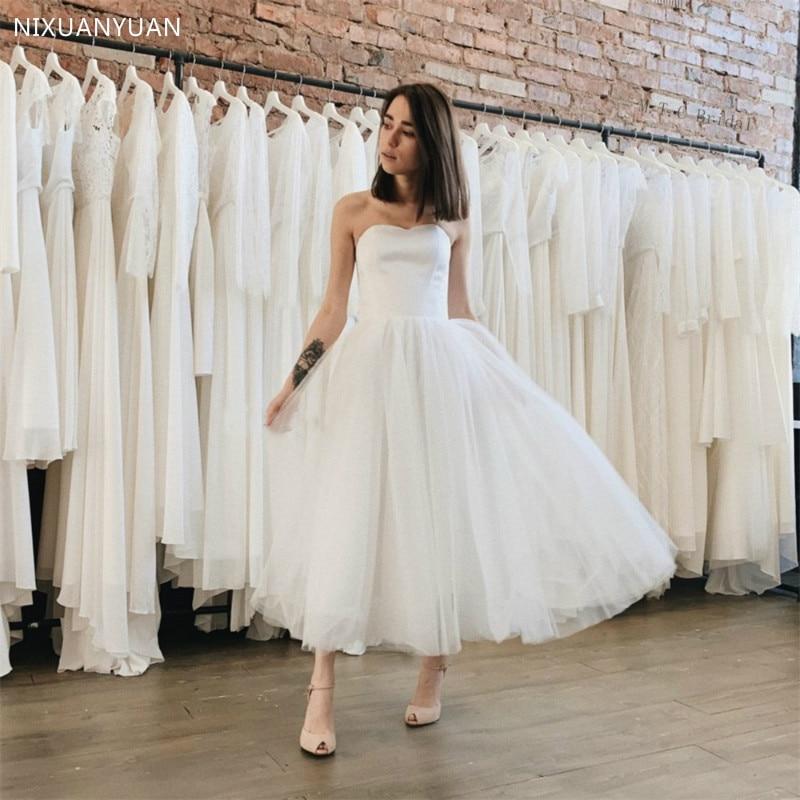 Simple 2020 Summer Beach Wedding Dresses Strapless Sleeveless Tulle Tea Length Cheap Bridal Gowns