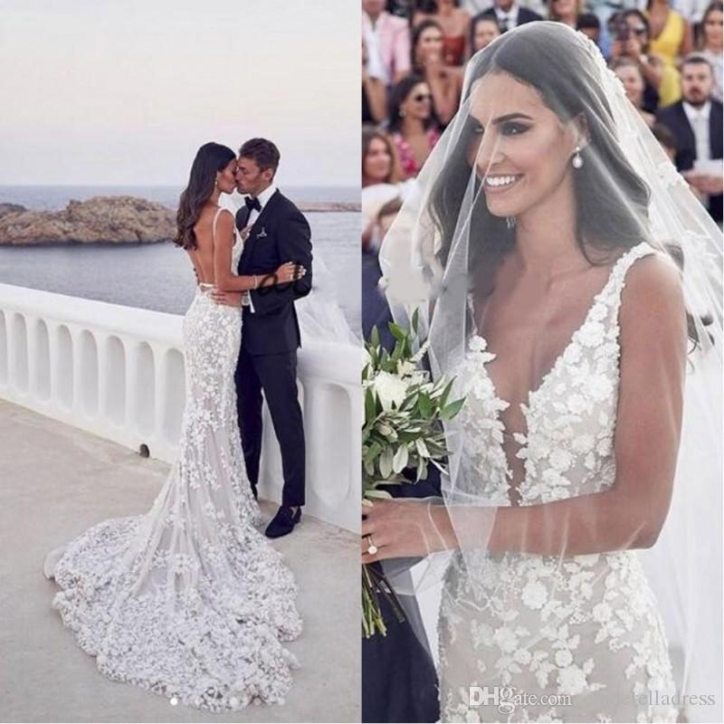 2020 Sexy Backless Mermaid Beach Wedding Dresses V-neck 3D Lace Applique Sweep Train Trumpet Garden Bridal Wedding Gowns