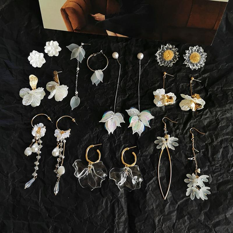Fashion Style Cute Flower Stud Earrings For Women 2020 New Fashion Sweet White Petal Earrings Wholesale Jewelry Party