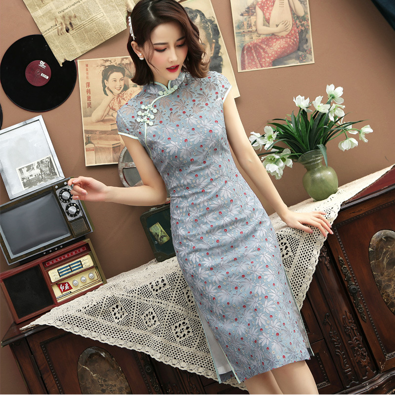 2019 Chinese Dress Qipao Cheongsam Hollow Out Carved Lace Traditional Embroidery Qi Pao Women Dress Vintage Wedding Vestidos