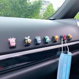 Image 5 - 5Pcs חמוד Cartoon רכב ווי דבק פלסטיק רכב וו מארגני רכב מושב אחורי ווים עבור טעינת כבלי מפתחות ארנקים תיקים