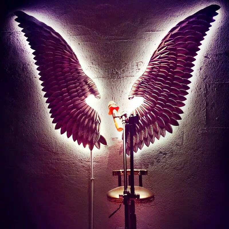 2020 Industrial Metal Style Barber Shop Clothing Store Cake Shop Bar Decoration Golden Wings Retro Iron Bird Wings Photo Props