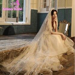 Nieuwe Ontwerp Bruids Champange Of Wit Cut Edge Bruiloft Sluier 1 Layer Prachtige Pailletten Bridal Veil Lange Kam Wedding Accessorie