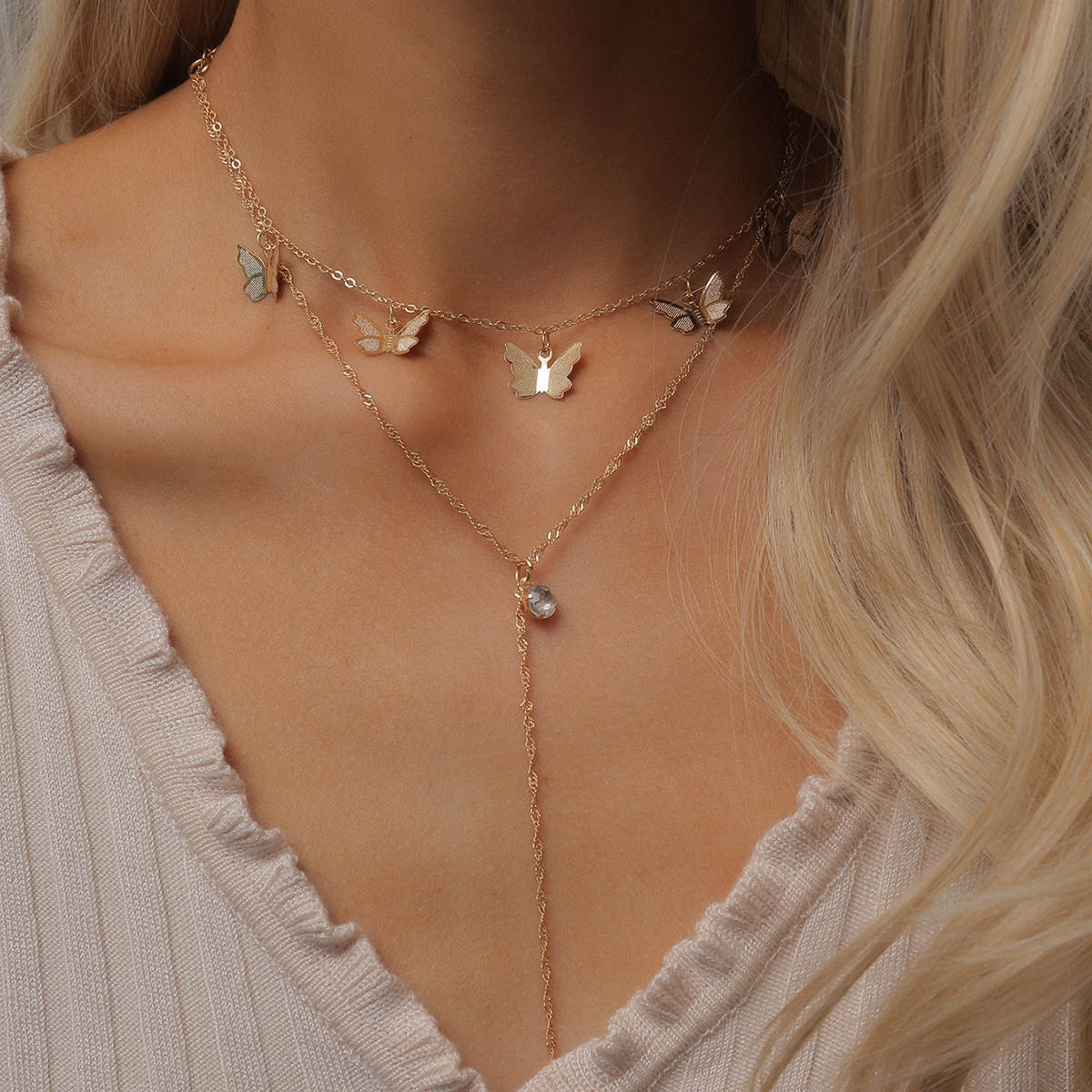 Fashion Gold Color Butterflies Pendant Tassel Clavicle Chain Women Choker Necklace Rhinestone Short Necklaces Female Simple New