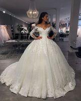 Vintage Off Shoulder Wedding Dresses 2019 Long Sleeve V Neck Applique Wedding Gowns Drapted Castle Long Bridal Gown