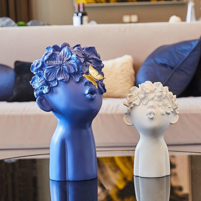 北欧シンプルな樹脂像の装飾リビングルームのワインキャビネット現代少年彫刻家の工芸品コーヒーバーの装飾装飾  グループ上の ホーム&ガーデン からの フィギュア & ミニチュア の中 1