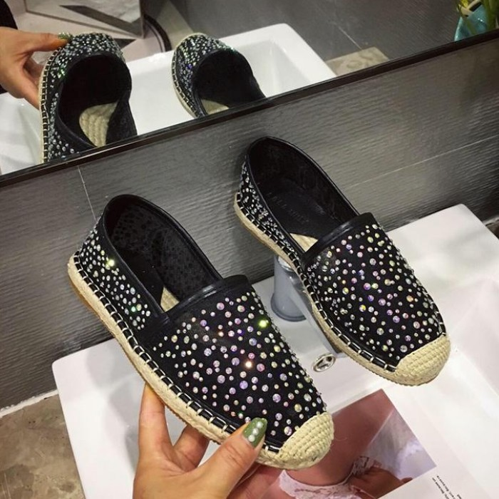 Crystal Shoes Woman 2019 Round Toe Casual Female Sneakers Dress Flats Women All Match Slip on Rhinestone New Nurse Summer Slip