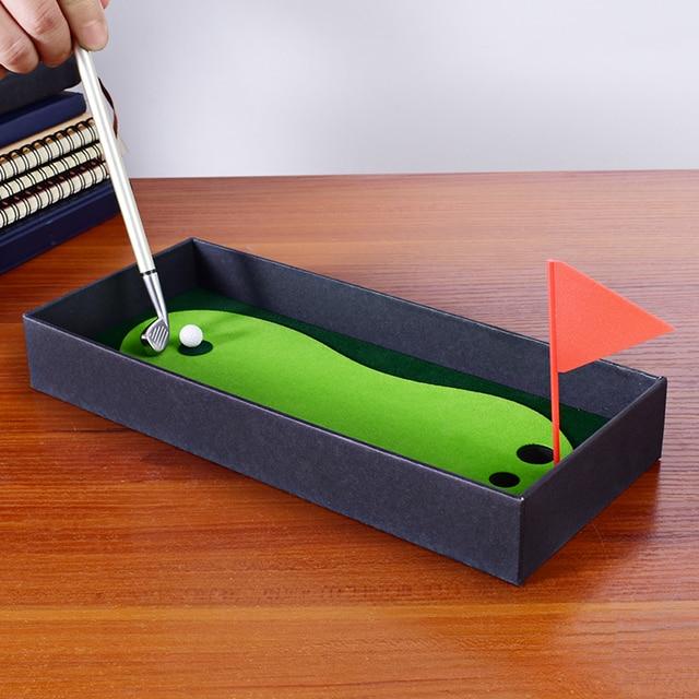 Golf Pen Set Desktop Goft Gift Mini Green Driving Range with Metal Golf Club Pens Balls and Flag 1