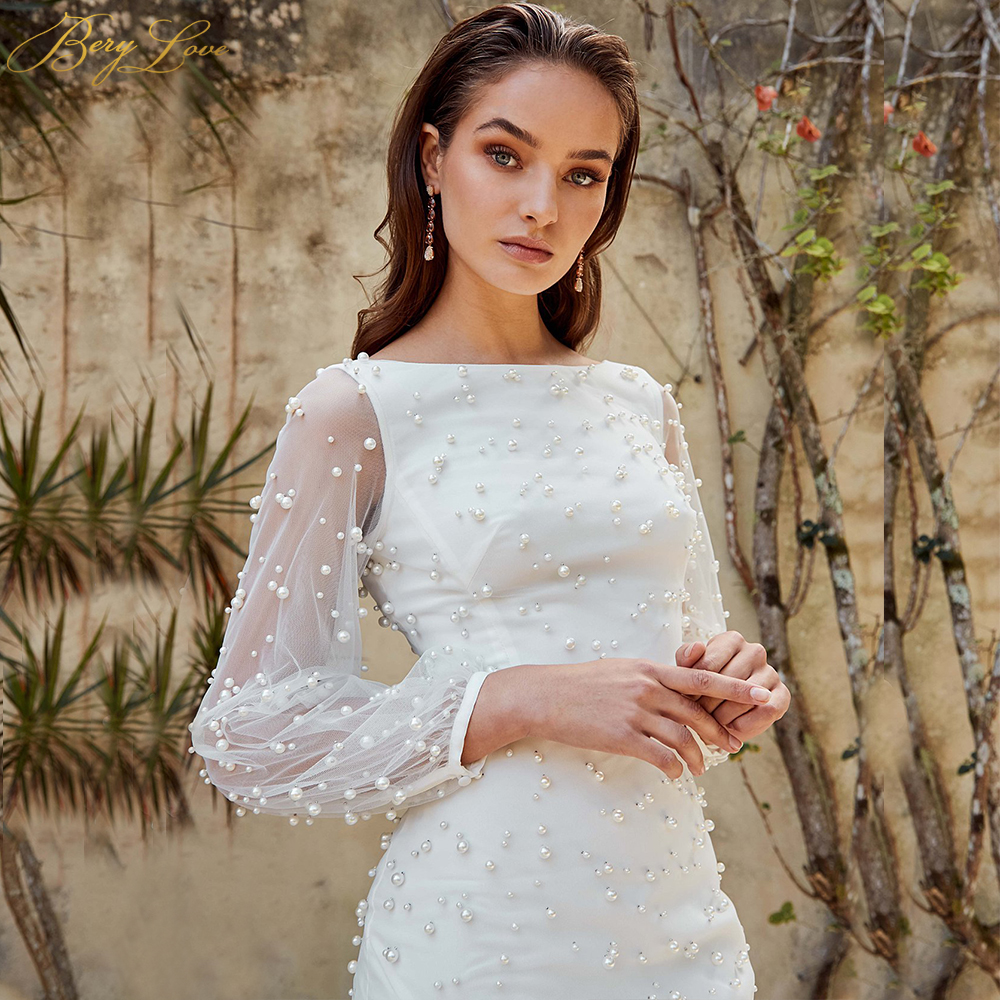 Beach Mermaid Long Sleeves Wedding Dresses 2019 New Boat Neck Sexy Pearls White Boho Bridal Gowns Illusion Lattern Flare Sleeves