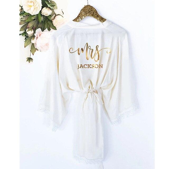 Spersonalizowane koronki ślub panny młodej druhna bielizna dla nowożeńców satynowa piżama szaty panieński kimona suknie prezenty party dobrodziejstw