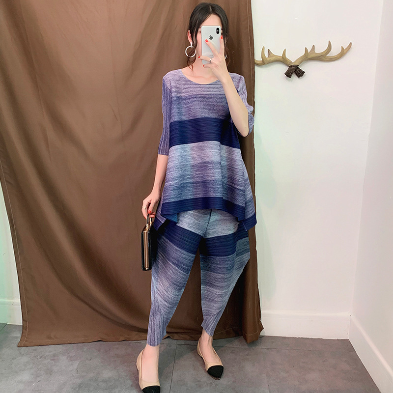 LANMREM Round Neck  Half Sleeves Striped Pleated Contrast Colors Pullover T-shirt And Loose High Waist Pants Set WJ12306