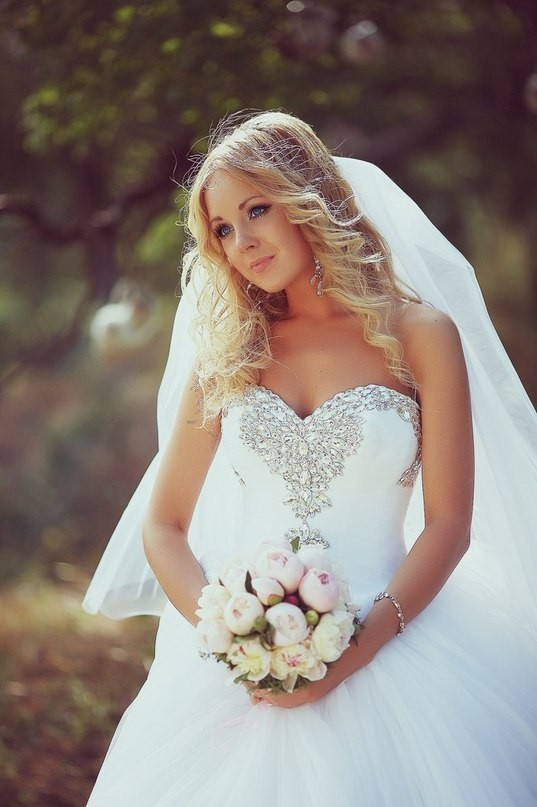 2018 Vestido De Noiva Rhinestones Tulle Sweetheart Sleeveless Ball Gown Luxury Bridal Gown Custom Mother Of The Bride Dresses