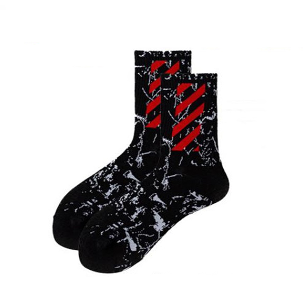 New Trend Socks Cotton Printed Alphabet Middle Tube Socks Casual Street Men Women Skateboarding Socks College Wind Couple Socks