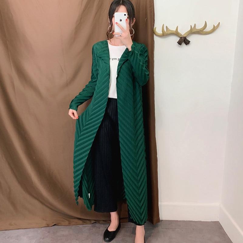 LANMREM Green Large Lapel Long Sleeve V-shaped Pleated  Cardigan Windbreaker Woman Casual Fashion 2019 Autumn Coat New TD057
