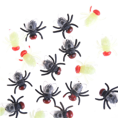 12Pcs/lot Funny Simulation Insect Toys Gags Rubber Flies Halloween Joking Bugs Toys For Kids Adult Fool's Day Props Decor