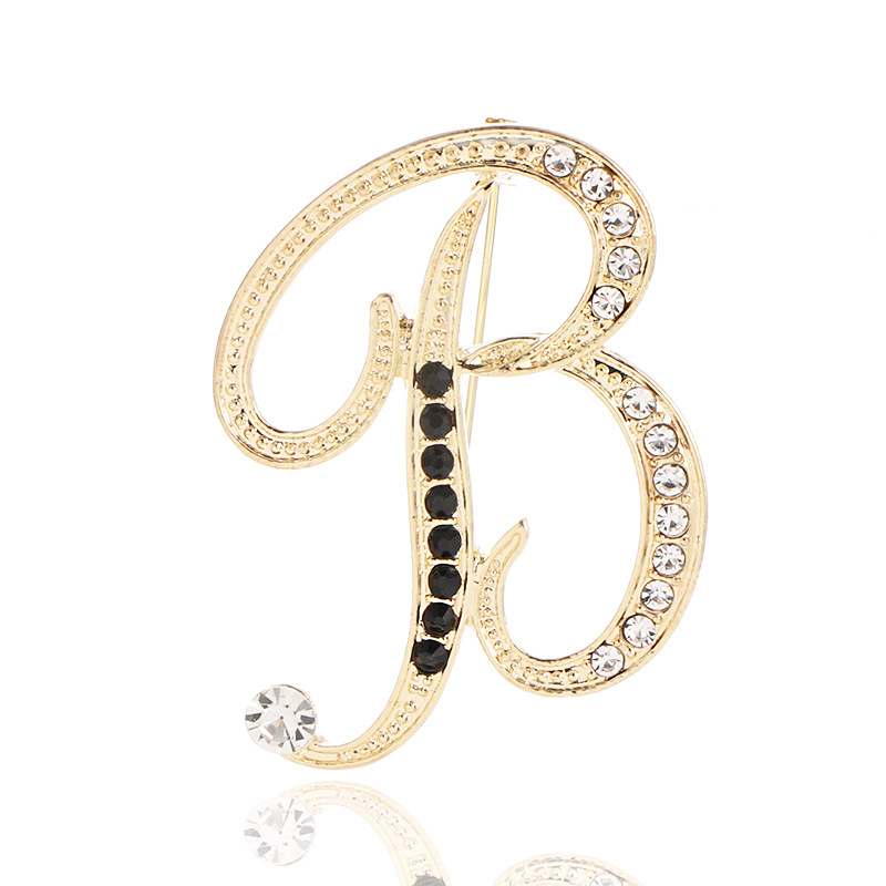 New Fashion Metal 26 Letter Brooch Personality Suit Scarf Buckle Badge Corsage Luxury Brooch for Women Accessories Jewelry 4