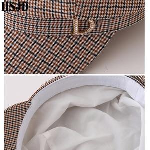 Image 5 - 格子縞の八角フラットキャップファッションラインストーンレターd女性の夏春格子画家帽子女性のレトロなベレーボンネット