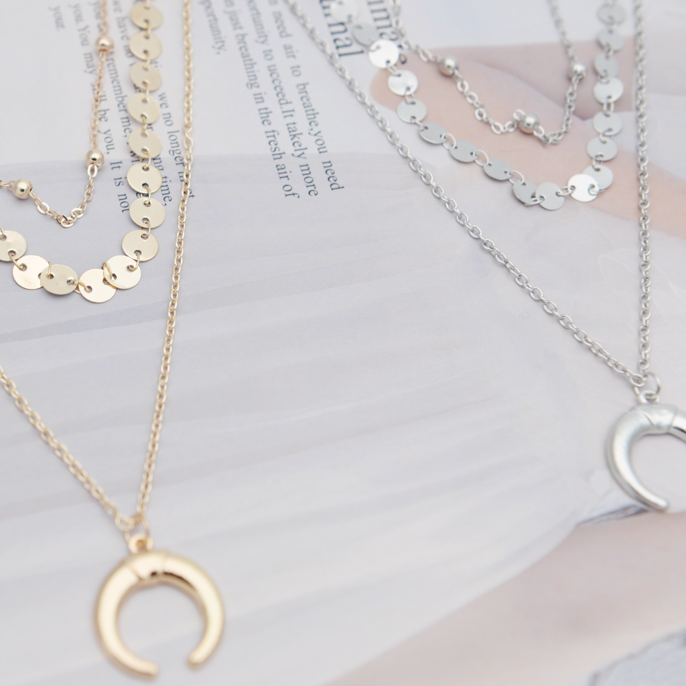 Fashion Trendy Gold Silver Face Pendant Necklace For Women 19 Metal Personality Geometry Oval Human Facial Wink Chain Necklace 4