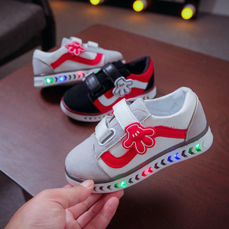 Kids Shoes For Girl 2020 Spring Fall Breathable Baby Casual Shoes Boy Toddler Fashion LED Flash Shoes Children Light Up Shoes