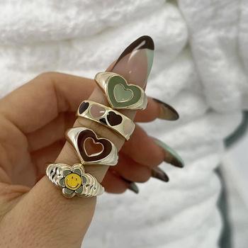 Sprzedaż hurtowa biżuterii nowy kolorowy regulowany pierścień dla kobiet błyszczący miłość pierścień z sercem s brzoskwiniowy pierścień z sercem wykwintne Y2k Trend biżuteria tanie i dobre opinie CN (pochodzenie) Ze stopu cynku Kobiety Metal Śliczne Romantyczne Obrączki ślubne 6 5mm 5408501 Brak moda Na imprezę