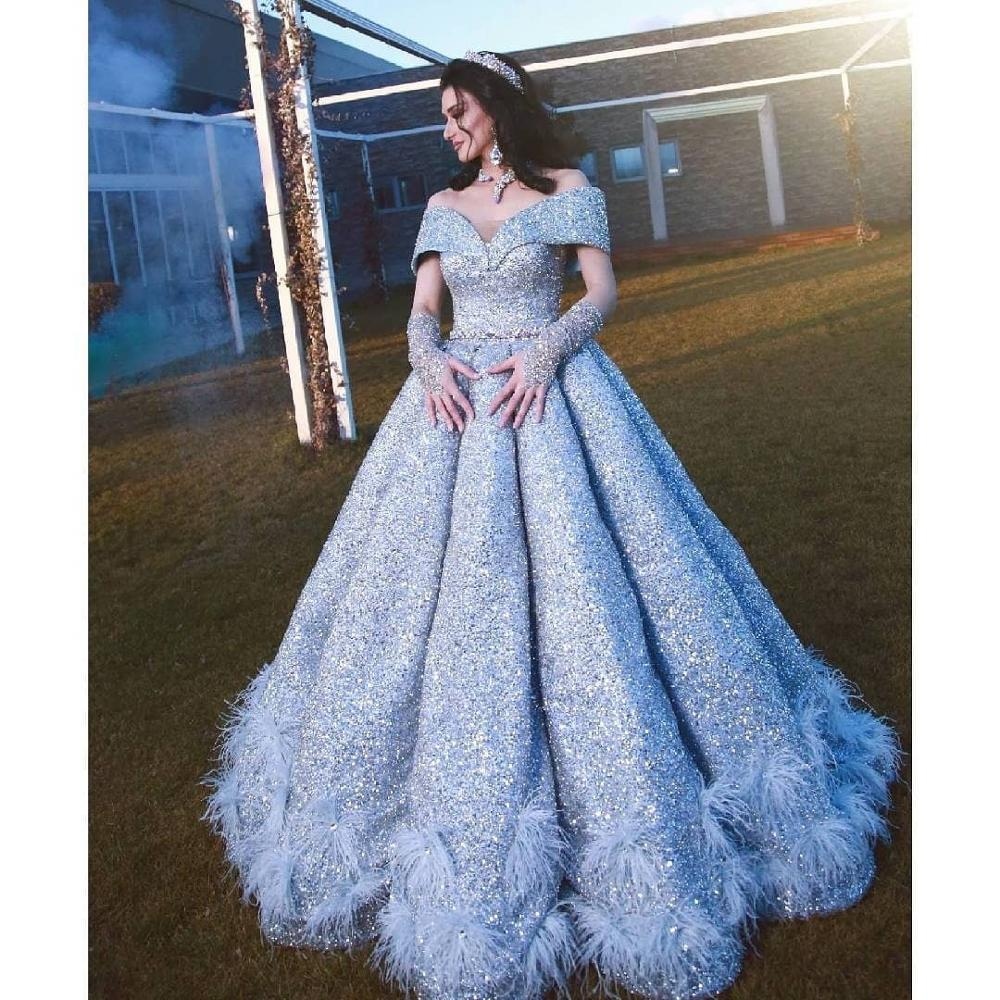 2020 Light Blue Evening Dresses A Line Off The Shoulder Ruffles Sweep Train Luxury Prom Dress Feather Arabic Formal Gowns