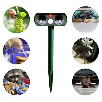 Solar Powered Ultrasonic Pest Repeller Motion Outdoor Animal Repellent For Repelling Animals Cats Dogs Birds With Flashing Light